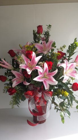 anazign lillys and roses